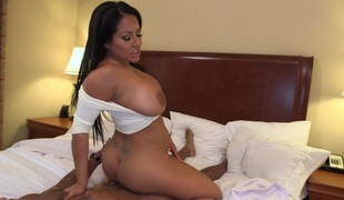Big arse Latin babe Kiara Mia acquires fucked